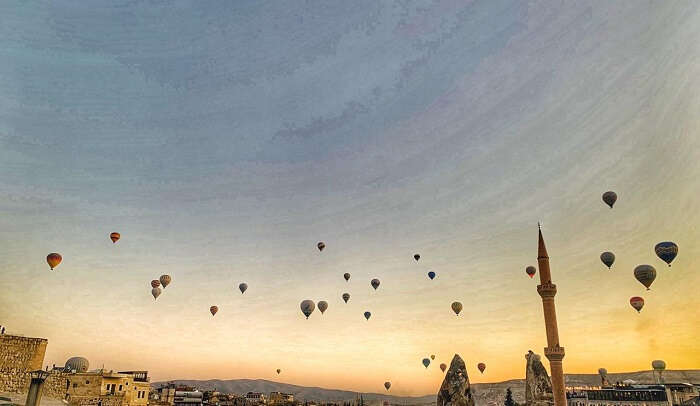 view of the hote air balloons