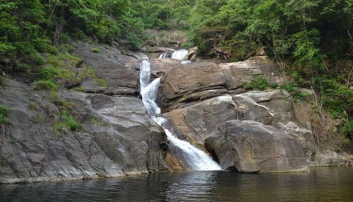 Kombaikani Waterfall