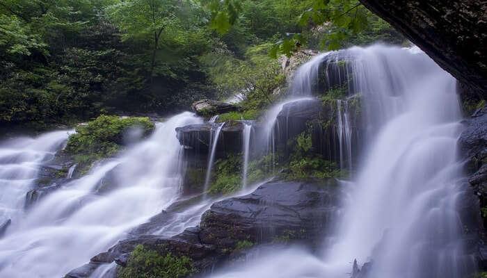 Kumbakarai Waterfalls