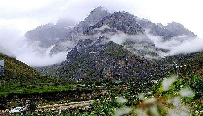 beautiful valleys in Uttarakhand