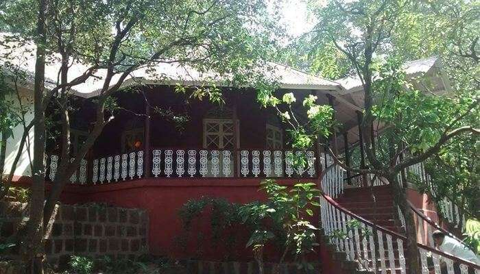 SaffronStays Parsi Manor