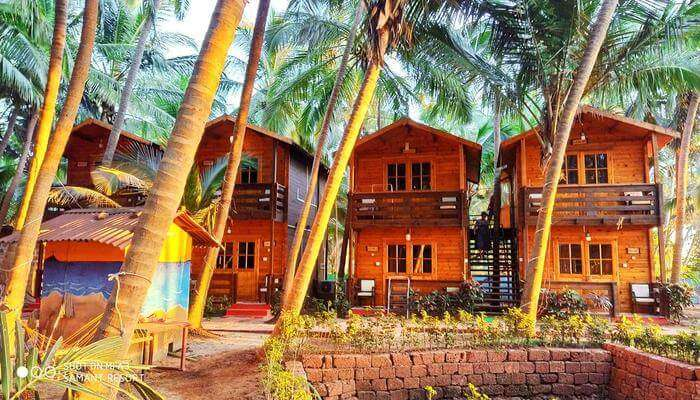 Samantha Beach Resort, Malvan