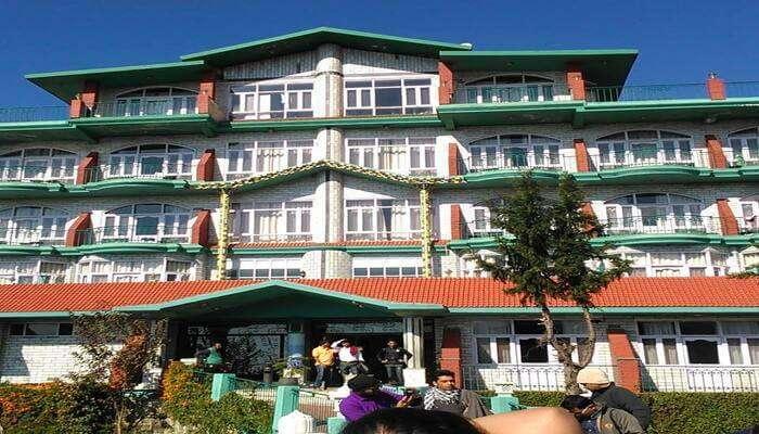 Snow Hermitage Resort