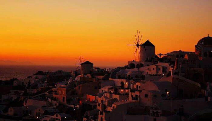 Soak The Sunset Vibes In Santorini