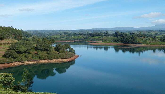 explore lush green mountains in Kenya