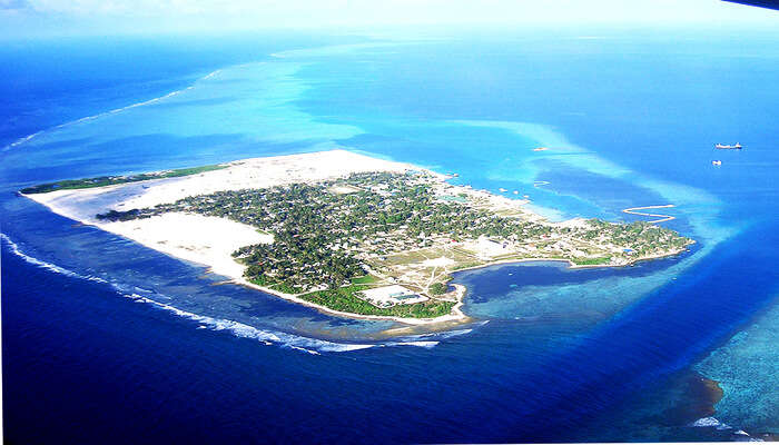Thinadhoo island