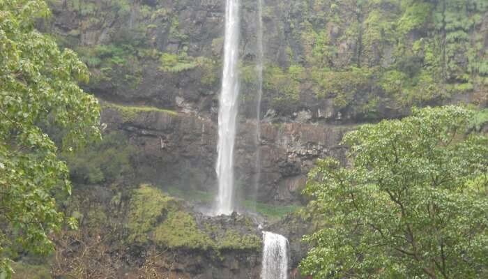 This is the second highest plunge waterfall in India