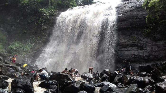Vihigaon Falls in Nashik