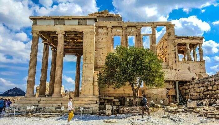 Walk Through The Acropolis