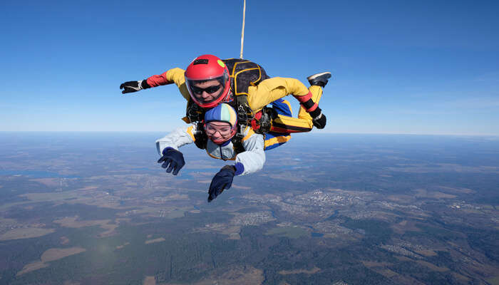 Best Skydiving In Barcelona
