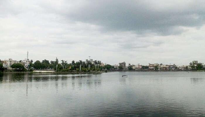 Shukrawari Lake