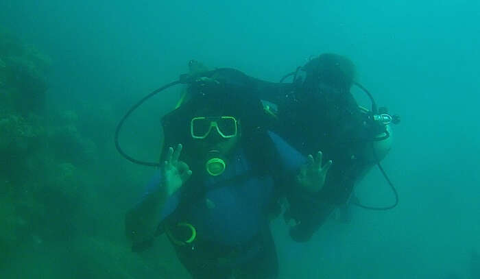 experienced Scuba diving with professionals