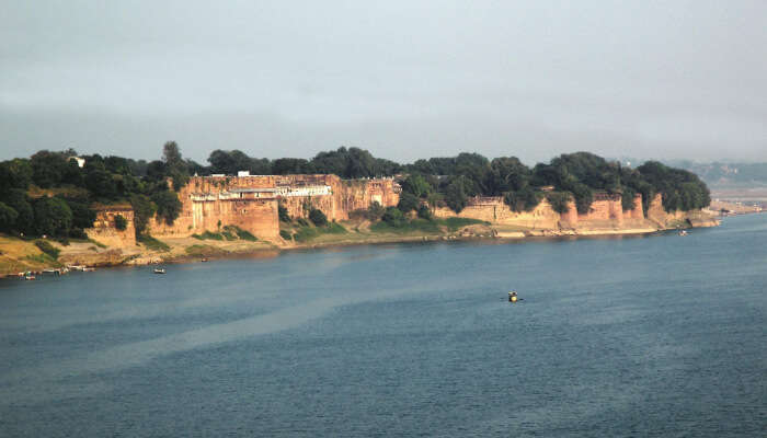 Allahabad  Fort and Ganga River