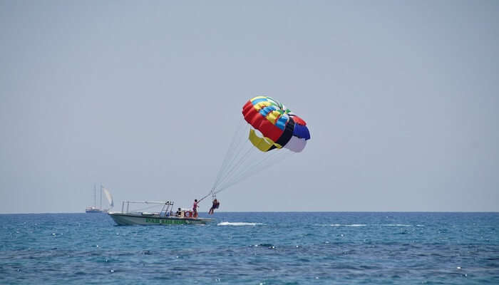 Best Time For Parasailing In Pattaya