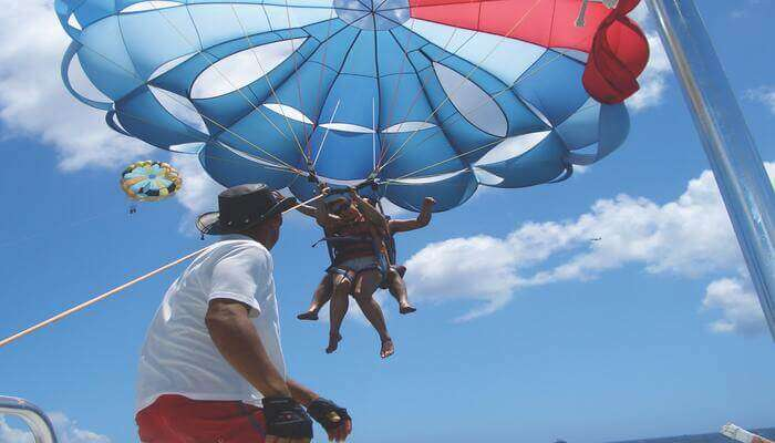Best Time For Parasailing In Thailand