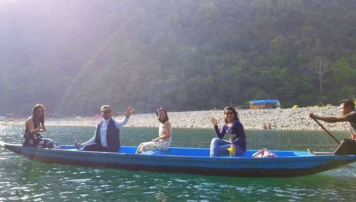 boating at dawki river