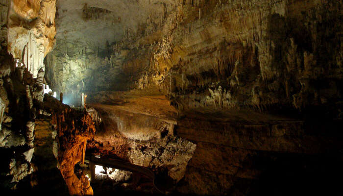 Jeita Grotto: Enjoy The Underground World