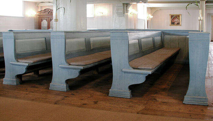 sitting arrangements in the church